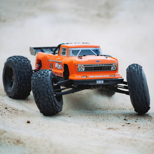 OUTCAST 6S 4WD BLX 1/8 STUNT TRUCK RED